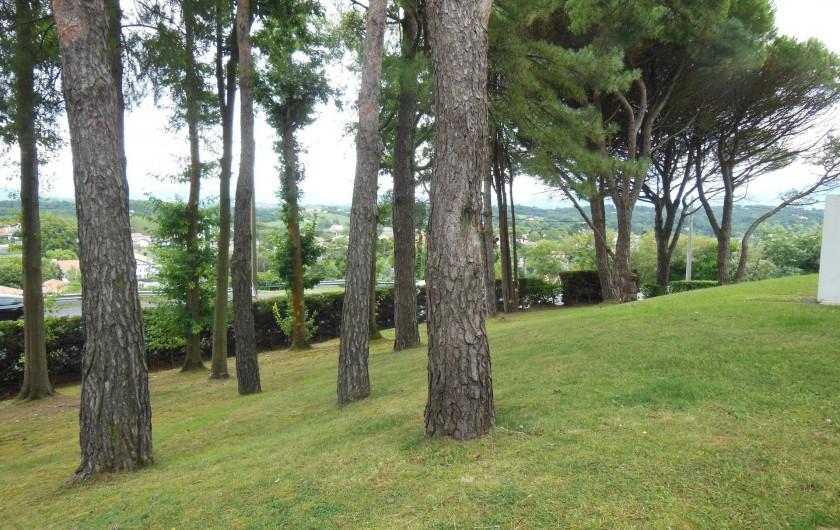 Location de vacances - Appartement à Bidart - Vue sur parc