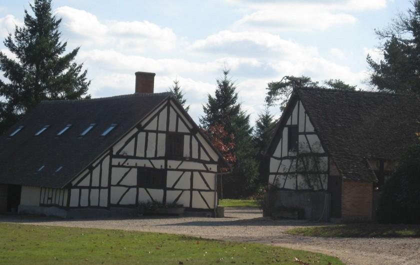 Location de vacances - Gîte à Souesmes - le pavillon de chasse et sa longère