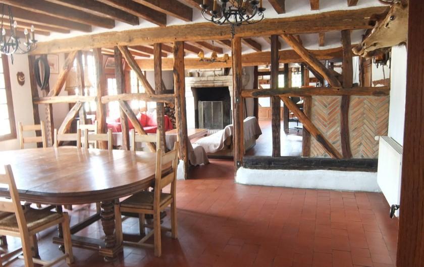 Location de vacances - Gîte à Souesmes - salle à manger (jusqu'à 20 personnes)