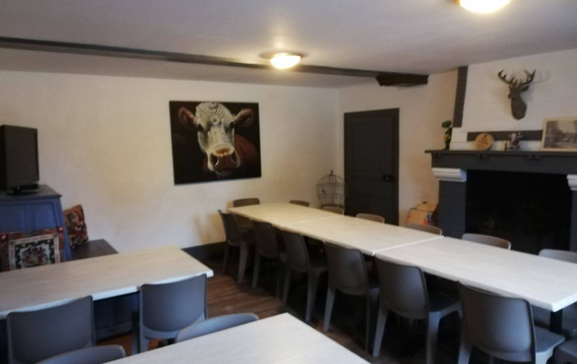 Location de vacances - Gîte à Anor - Le salon 20 personnes communiquant avec la salle 40 personnes