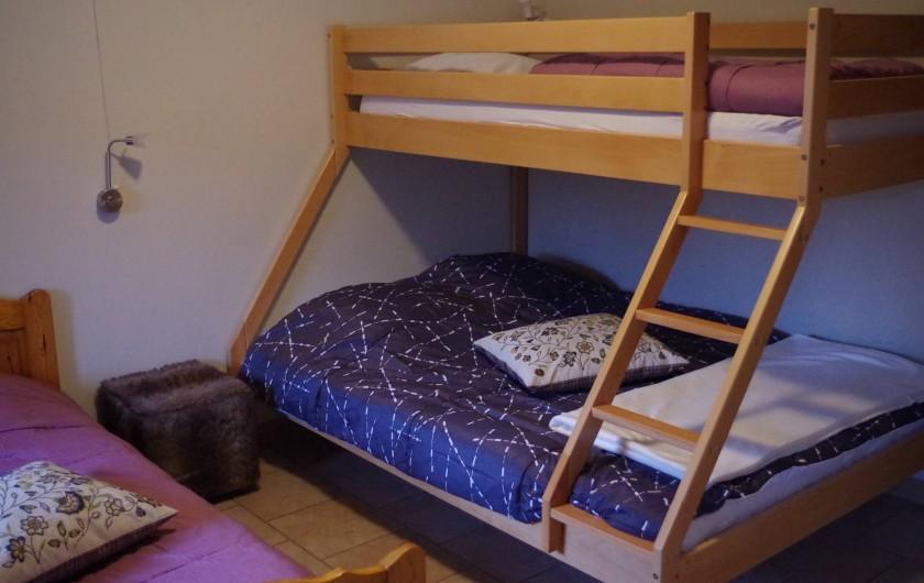 Location de vacances - Gîte à Anor - Chambre au rez de chaussée lit double