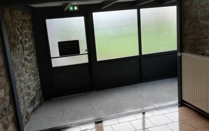 Location de vacances - Gîte à Anor - La véranda 20M2 communiquant avec la salle 40 personnes