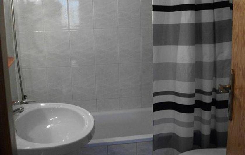Location de vacances - Appartement à Puerto de Mazarrón - salle de bain avec armaoire arrangement