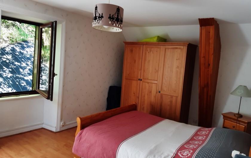 Location de vacances - Villa à Le Mont-Dore - grande chambre