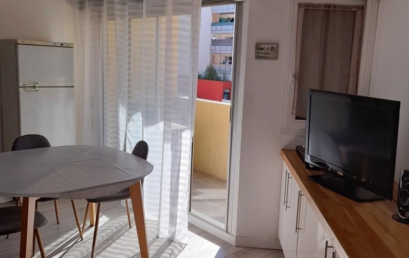 Location de vacances - Appartement à Sète - Salle à manger/salon