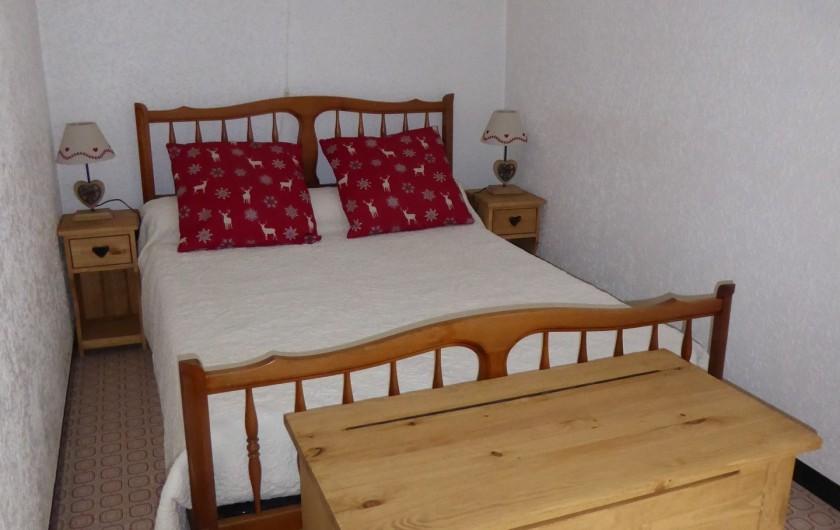 Location de vacances - Appartement à Lans-en-Vercors - Cote Montagne coin chambre parents