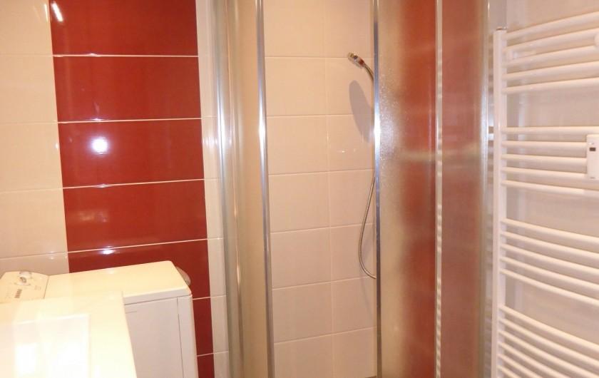 Location de vacances - Appartement à Lans-en-Vercors - Coté Montagne salle de bains
