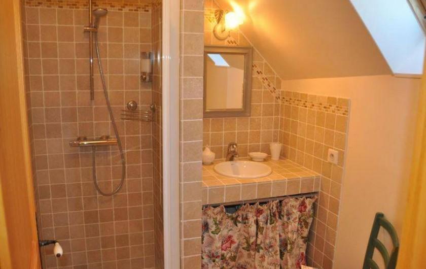 Location de vacances - Chambre d'hôtes à Saint-Loup-de-Naud - Salle de douche