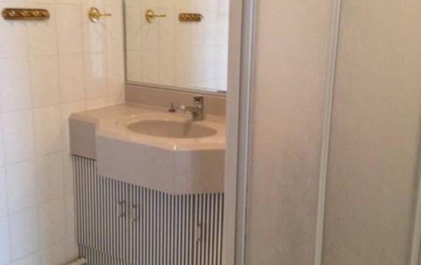Location de vacances - Appartement à Cavalaire-sur-Mer - Salle d'eau/douche
