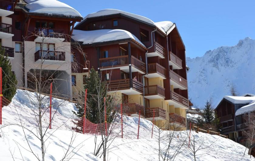 Location de vacances - Appartement à Vallandry - balcon au centre de la photo