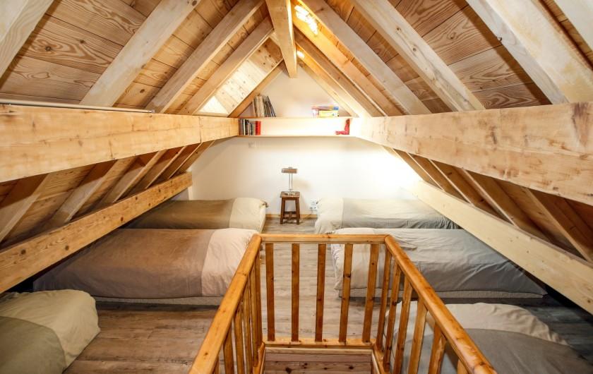 Location de vacances - Appartement à Le Monêtier-les-Bains - Mezzanine style dortoir