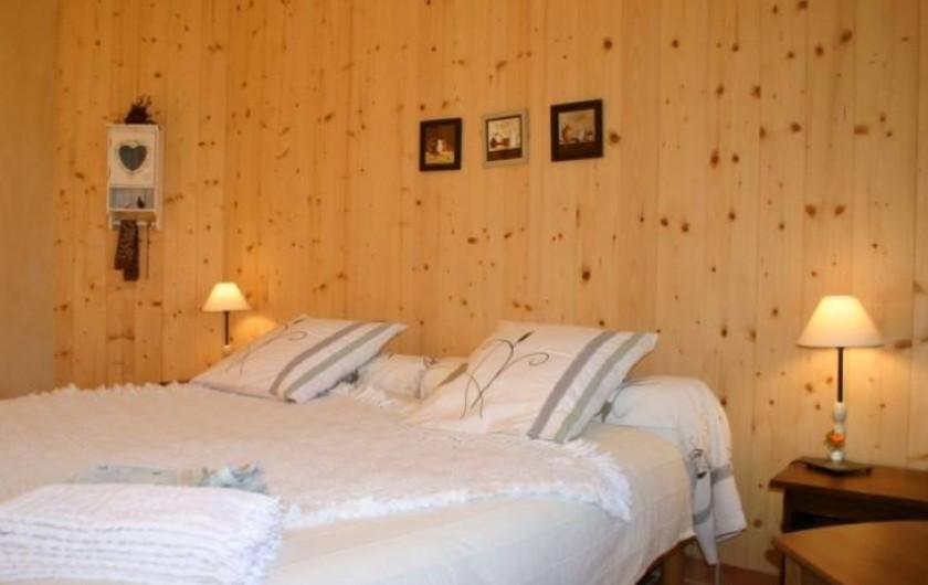 Location de vacances - Chambre d'hôtes à Saint-Laurent-d'Oingt - Chambre Noisette
