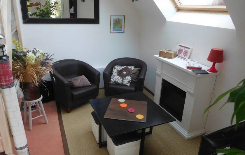 Location de vacances - Gîte à Concarneau - salon sous puits de lumière