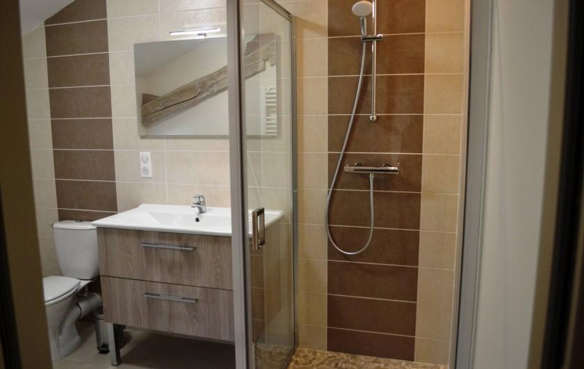 Location de vacances - Gîte à Lougratte - salle de douche