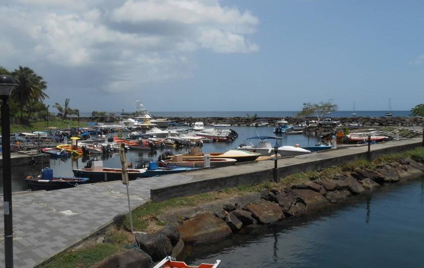 Location de vacances - Chalet à Deshaies - le port de Deshaies