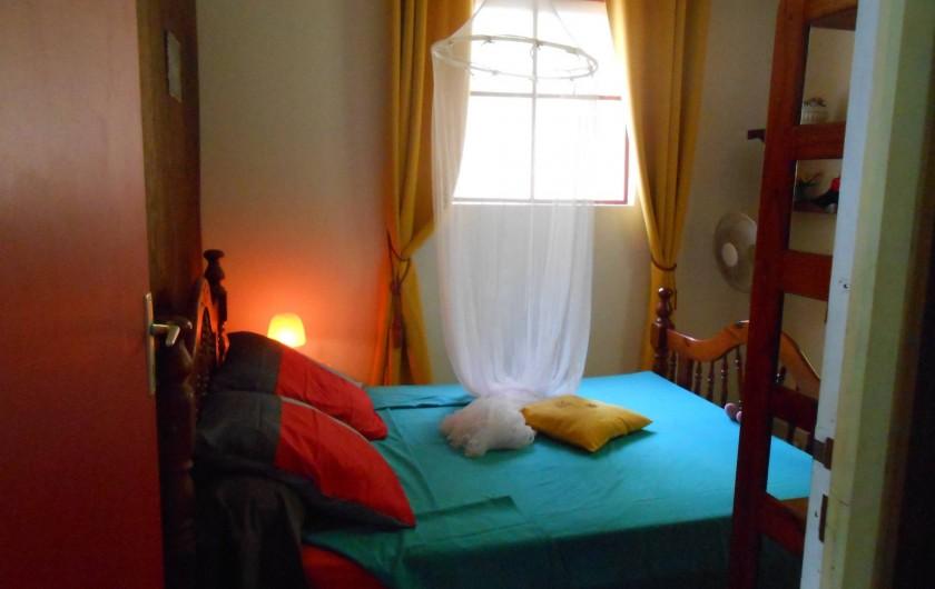 Location de vacances - Chalet à Deshaies - la chambre à coucher