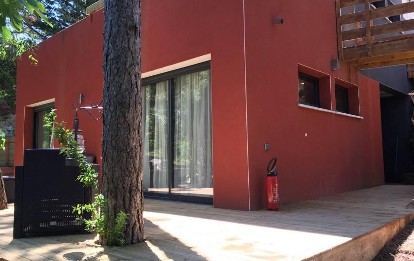 Location de vacances - Villa à Grabels - Terrasse des chambres