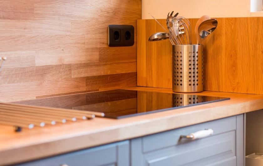 Location de vacances - Chambre d'hôtes à Veules-les-Roses - La petite cuisine, toute équipée.