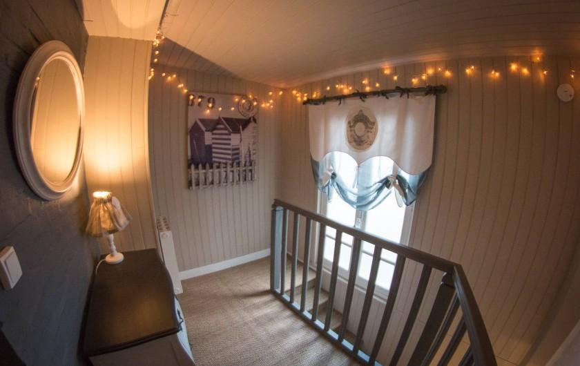 Location de vacances - Chambre d'hôtes à Veules-les-Roses - Le palier.