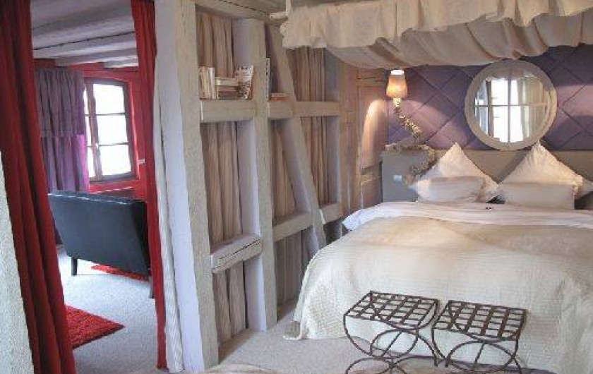 Location de vacances - Appartement à Strasbourg - Ch. à coucher et vue sur le salon