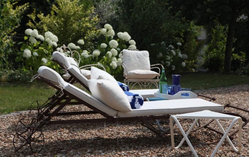 Location de vacances - Villa à Berthenay - lits de jardin
