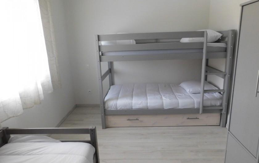 Location de vacances - Villa à Saint-Sauveur-de-Cruzières - Chambre enfants (4 lits dont un sous le lit superposé)