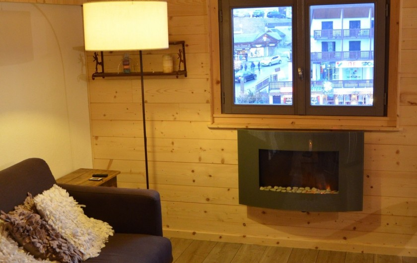 Location de vacances - Studio à L'Alpe d'Huez - Vue sur la station et les Grandes Russes