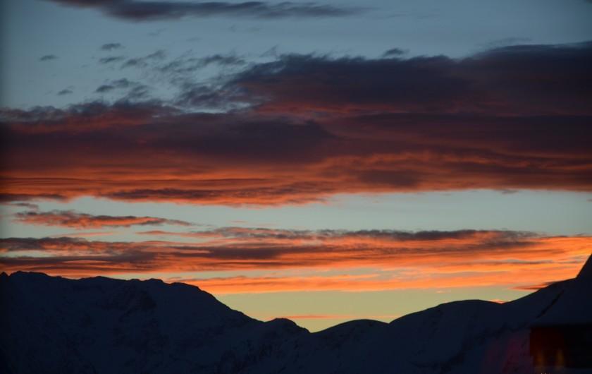 Location de vacances - Studio à L'Alpe d'Huez - ciel somptueux !