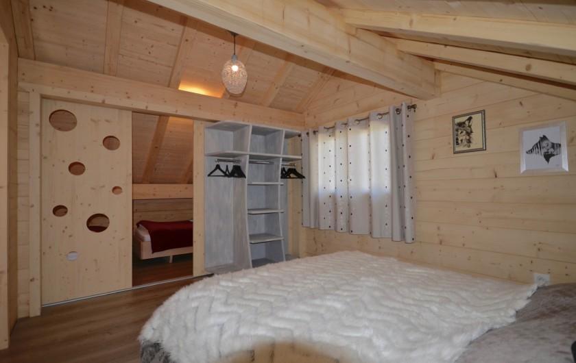 Location de vacances - Chalet à La Pesse - Chambre étage  vue sur alcôve