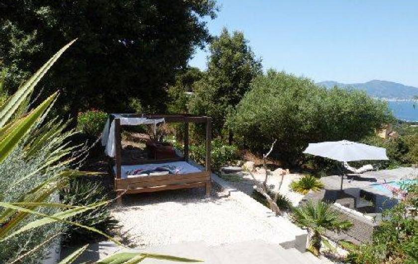Location de vacances - Villa à Porticcio - Environnement de la piscine