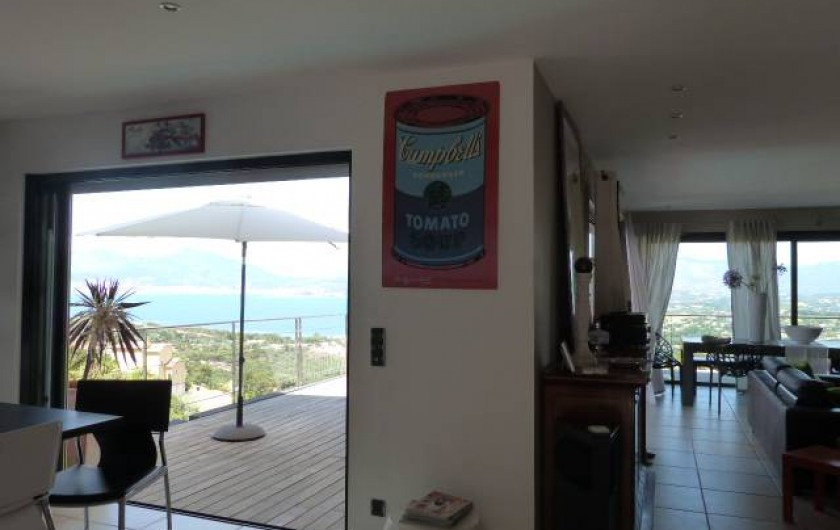 Location de vacances - Villa à Porticcio - Vue ensemble terrasse et salon