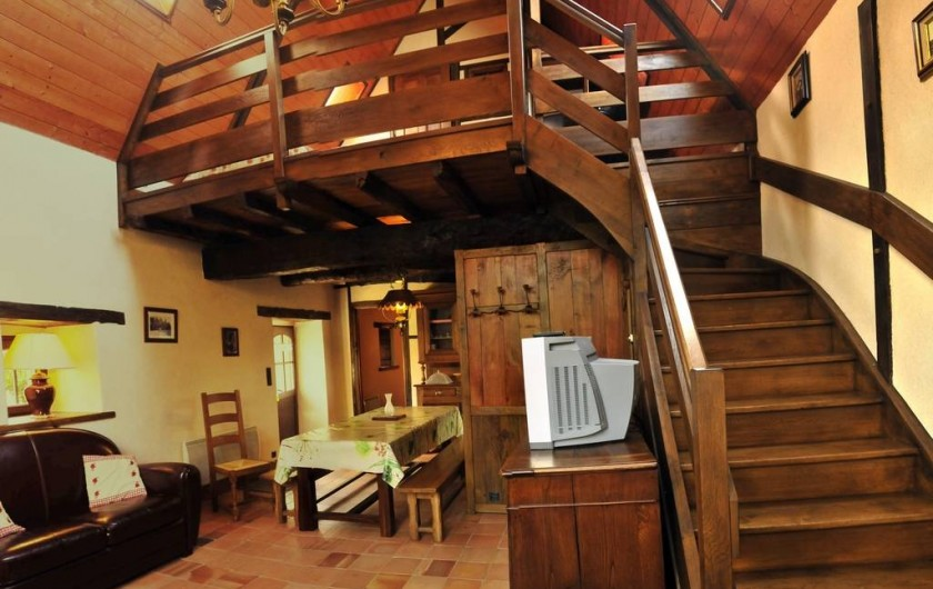 Location de vacances - Gîte à Clohars-Carnoët - La salle de vie et sa mezzanine