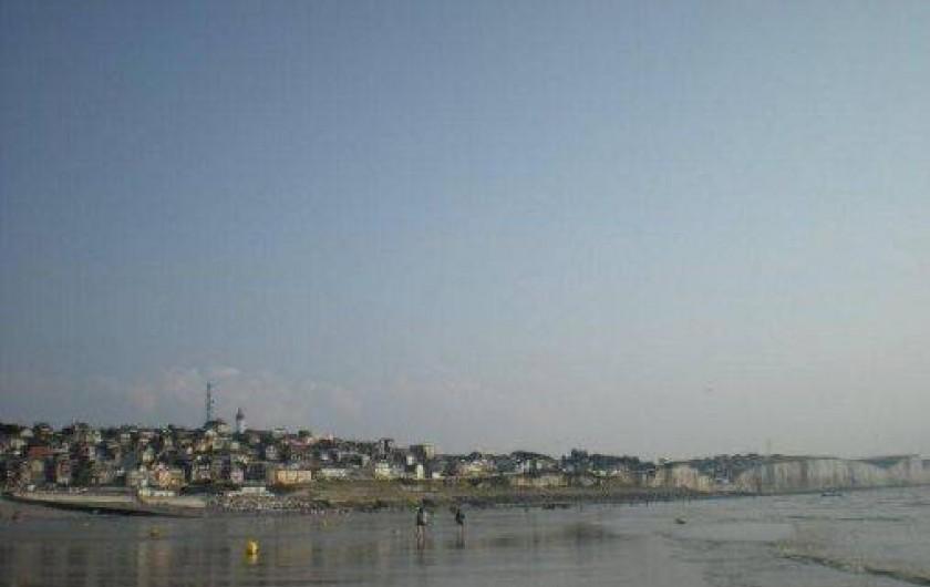 Location de vacances - Appartement à Ault - Le village vu de la mer
