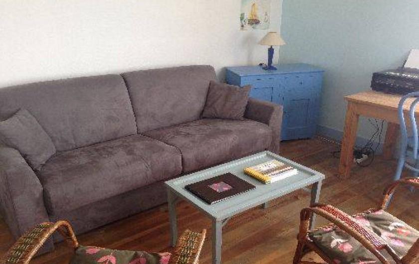 Location de vacances - Appartement à Ault - Coin salon avec canapé-lit confortable