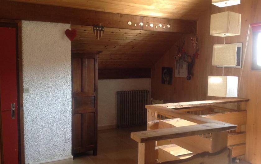 Location de vacances - Chalet à Bonlieu - Palier et son cabinet de toilette