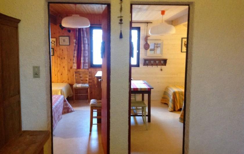 Location de vacances - Chalet à Bonlieu - Les deux chambres de l'étage depuis le palier