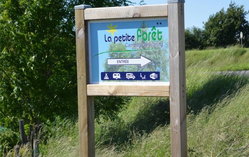 Location de vacances - Bungalow - Mobilhome à Aire-sur-la-Lys - Entrée du camping