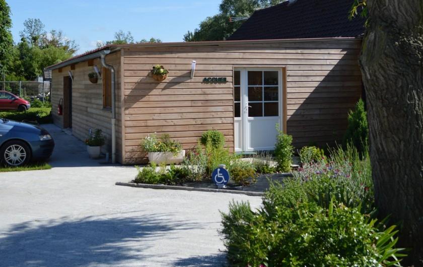 Location de vacances - Bungalow - Mobilhome à Aire-sur-la-Lys - Entrée du camping, accueil & Réception