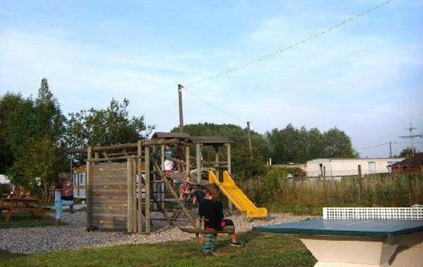 Location de vacances - Bungalow - Mobilhome à Aire-sur-la-Lys - Aire de jeux pour les enfants et ping-pong