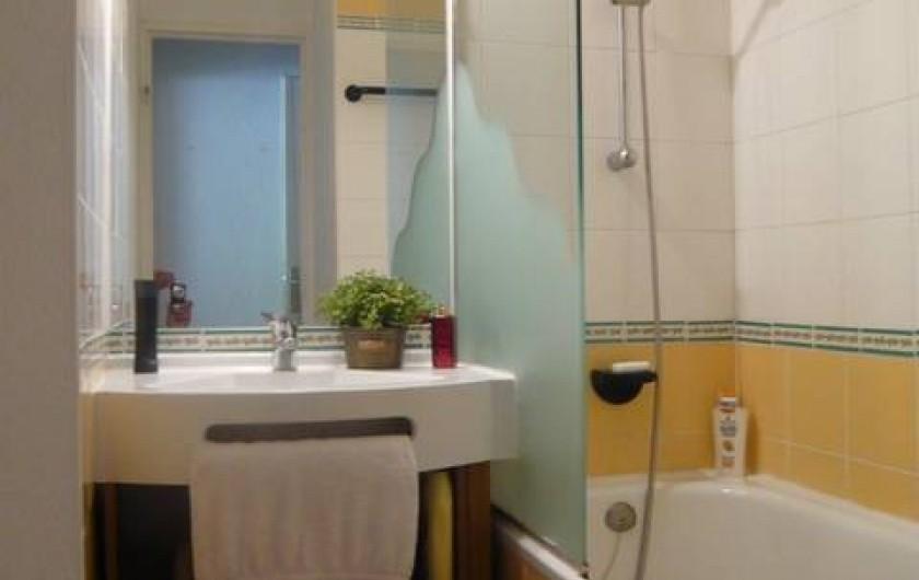 Location de vacances - Appartement à Méribel-Mottaret - salle de bains