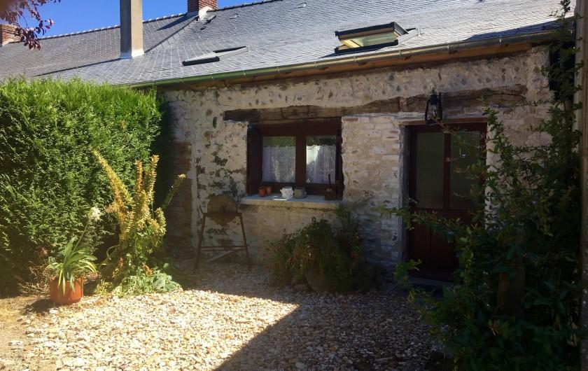 Location de vacances - Maison - Villa à Beaulieu-sur-Layon - L'entrée coté piscine