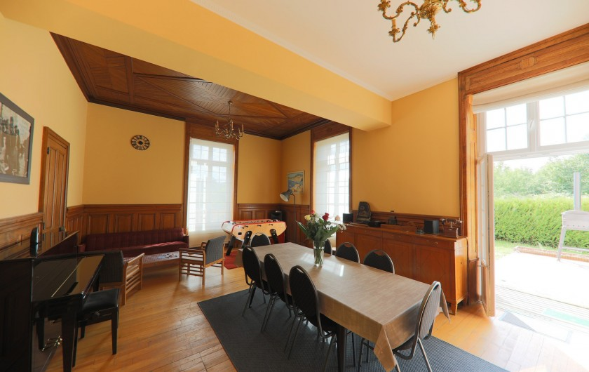 Location de vacances - Gîte à Raon-l'Étape - Salle à manger - Vue 1