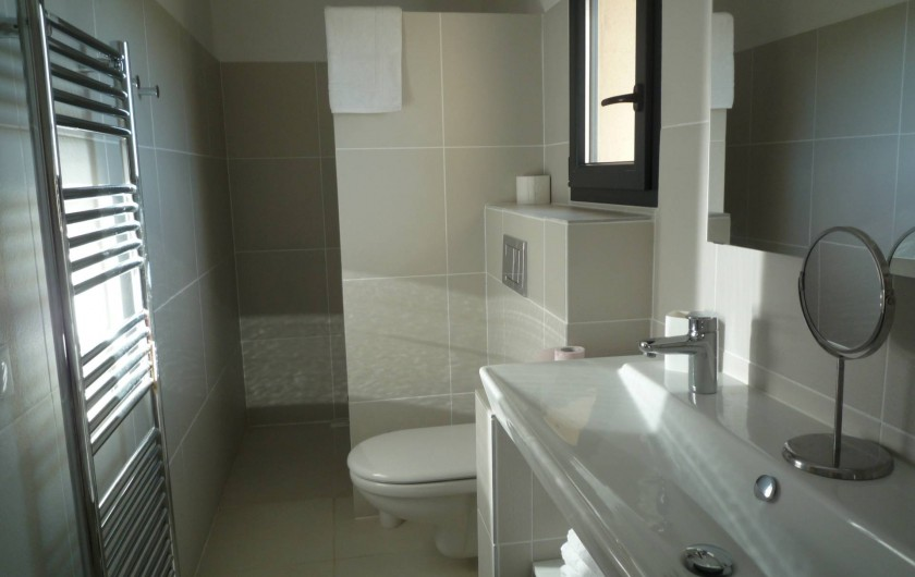 Location de vacances - Mas à Bédoin - Salle d'eau, wc