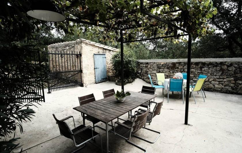 Location de vacances - Gîte à Grane - Cour privative du Gîte APIS CAUCASICA