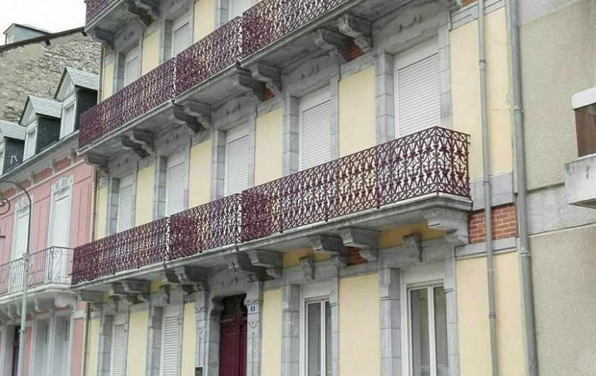 Location de vacances - Appartement à Cauterets - Façade de l'immeuble de la résidence
