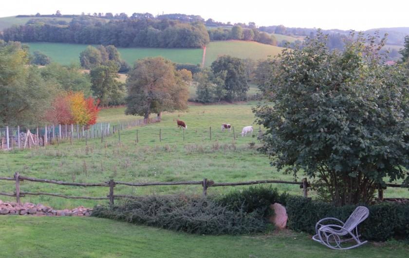 Location de vacances - Gîte à Chirassimont - Vue sur la campagne