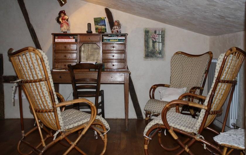 Location de vacances - Gîte à Chirassimont - Recoin salon