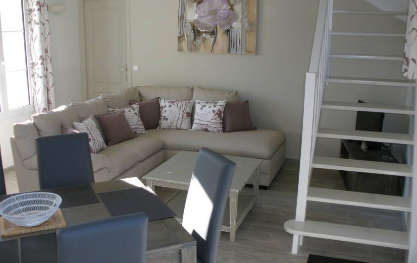 Location de vacances - Gîte à Jonquières - salon séjour