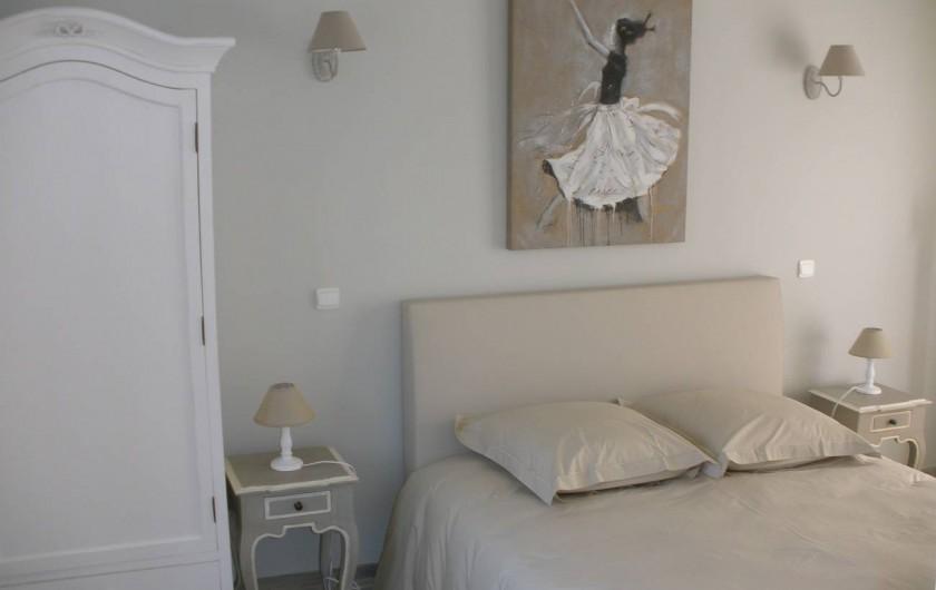 Location de vacances - Gîte à Jonquières - Chambre 1 du RDC avec son lit double