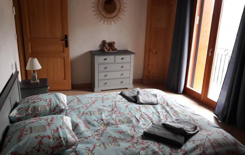 Location de vacances - Chalet à Bourg-Saint-Maurice - Chambre avec lit de 160×200